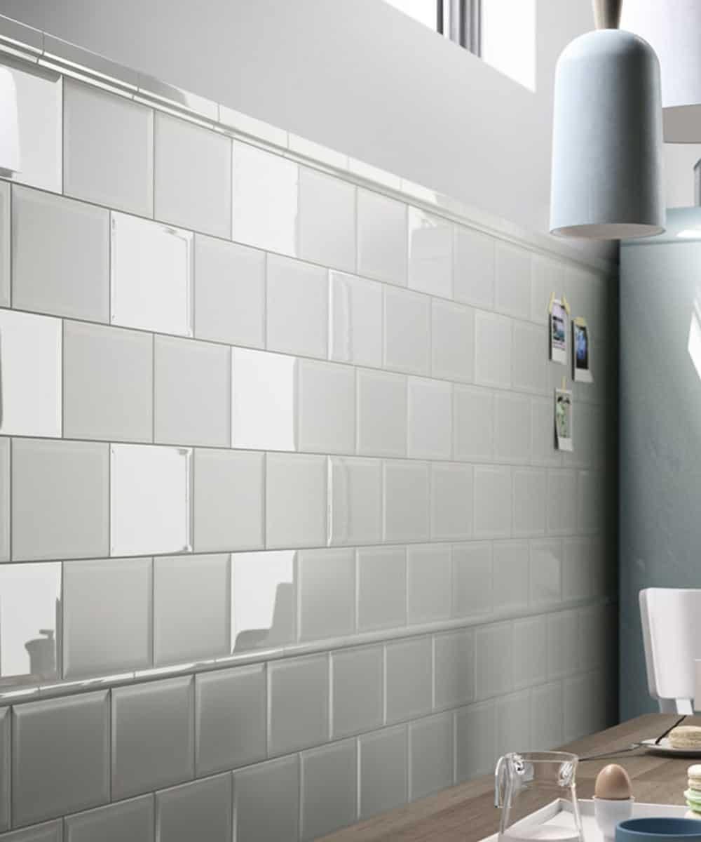 Rivestimento cucina soluzioni per pavimenti e piastrelle for Piastrelle cucina bianche e nere